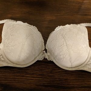 34D Body by Victoria push up white lace bra